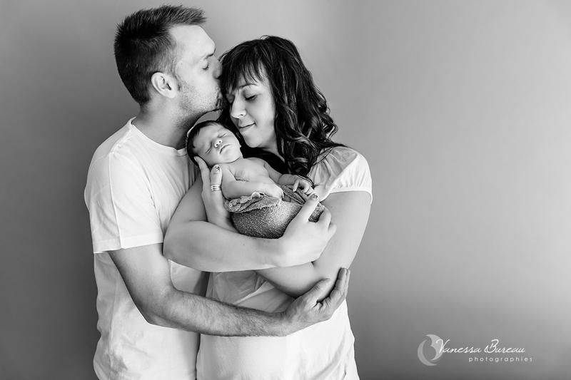 Nouveau-né avec Papa et Maman - noir et blanc