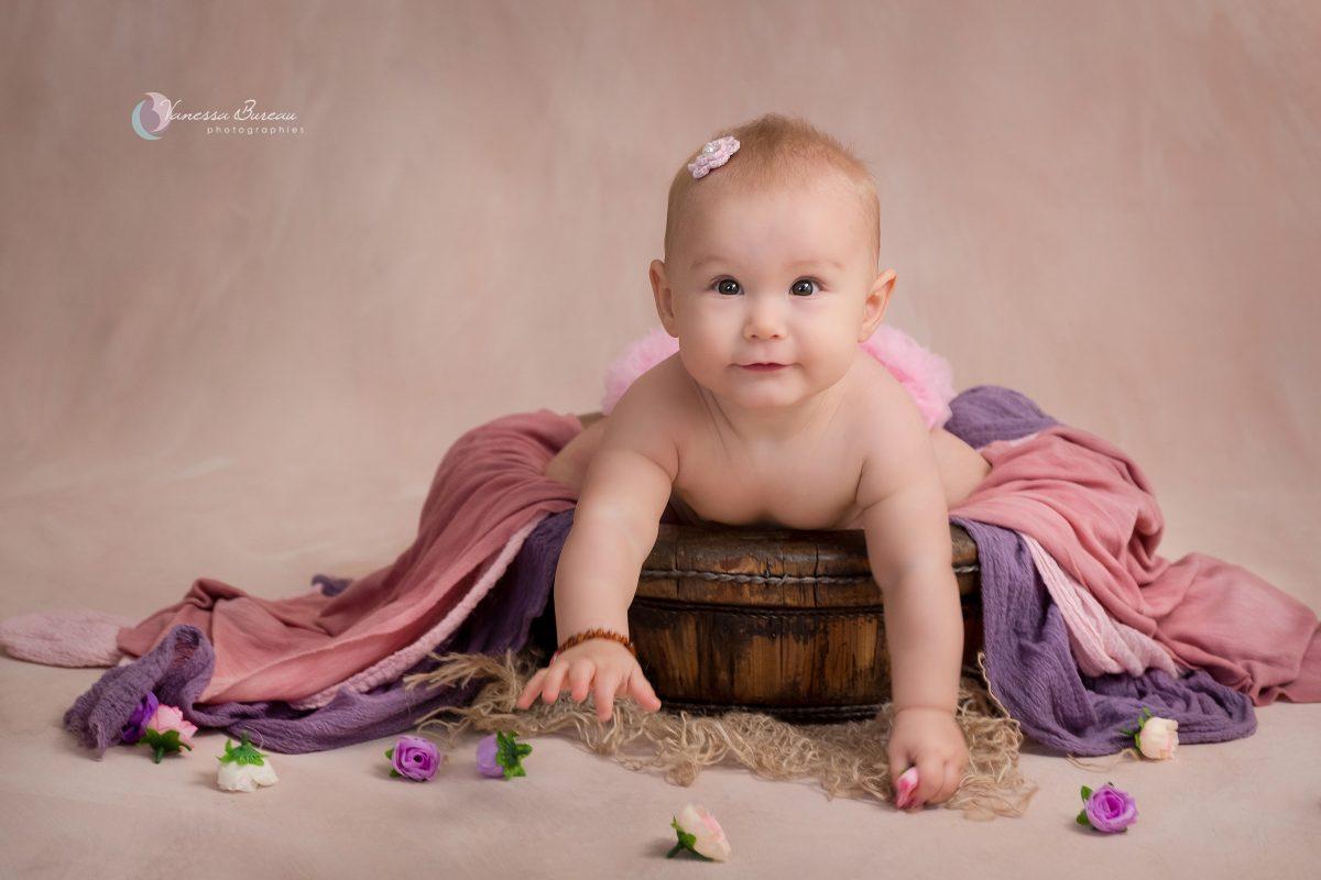 bebe-fille-fleurs-violet-rose-photographe-Dijon