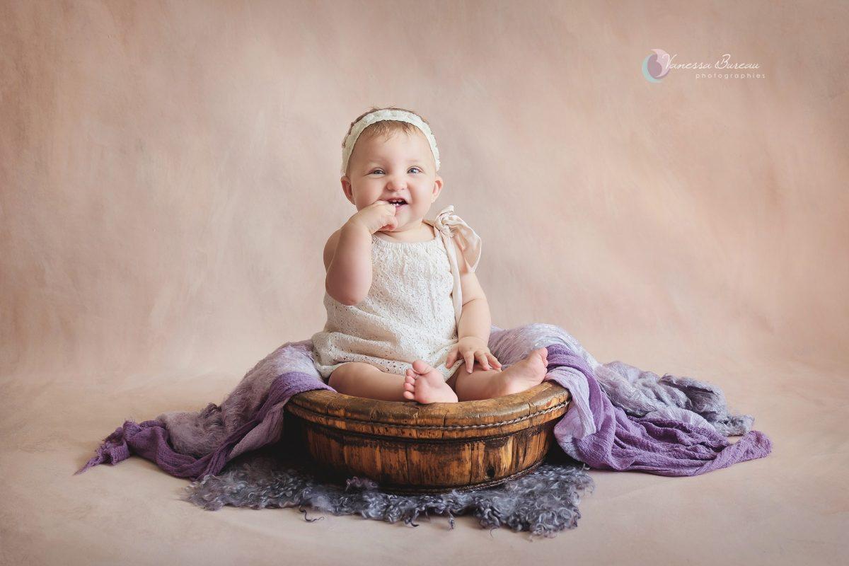 bebe-fille-violet-bois-photographe-Dijon